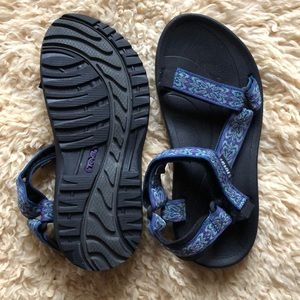 Teva Women's Hurricane Sandals in Blue- Size 8
